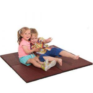diyplay playground mat